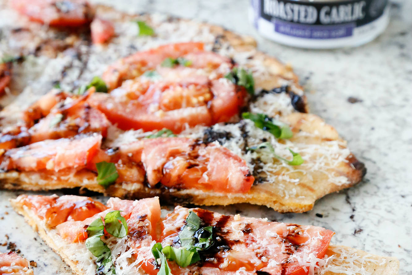 3x2_Roasted Garlic Tomato Basil Pizza_194KB.jpg